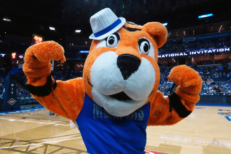 """<strong>Tiger mascot Pouncer hypes up the crowd<span class=""""s1"""">&nbsp;of 8,138&nbsp;</span>at FedExForum.</strong> (Karen Pulfer Focht/Special to the Daily Memphian)"""