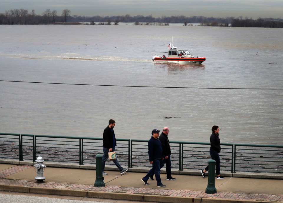 """<strong>The Mississippi River is forecast to rise slightly this week before beginning a drop to below flood stage by the end of the month. The agencies that watch the flow of the river remain in """"flood fight"""" status, given historic flooding to the north. The river reached its fourth-highest recorded level, 41.3 feet, on the Memphis gauge earlier this month.</strong> (Jim Weber/Daily Memphian file)"""