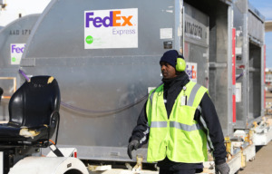 <strong>FedEx doesn't expect to give annual incentive compensation bonuses to employees this year, because of weaker-than-expected revenue growth.</strong> (Patrick Lantrip/Daily Memphian file)