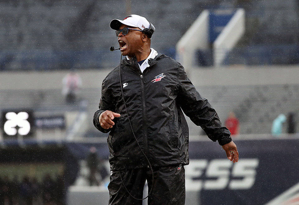 "<strong>Head coach Mike Singletary was not happy at the refs for their questionable clock management during&nbsp;</strong><span class=""s1""><strong>a Saturday, March 30, 2019, game against the Orlando Apollos at Liberty Bowl Stadium in Memphis. </strong>(Patrick Lantrip/Daily Memphian)</span>"