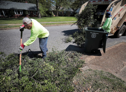 Memphis Overhauls Curbside Trash Collection System The