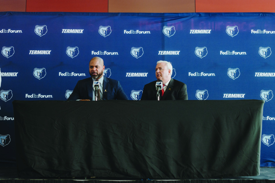 <strong>Former Grizzlies general manager Chris Wallace (right) introducing J.B. Bickerstaff as Grizzlies head coach in 2017. Bickerstaff was fired April 11 and Wallace has been reassigned.</strong> (Houston Cofield/Daily Memphian file)