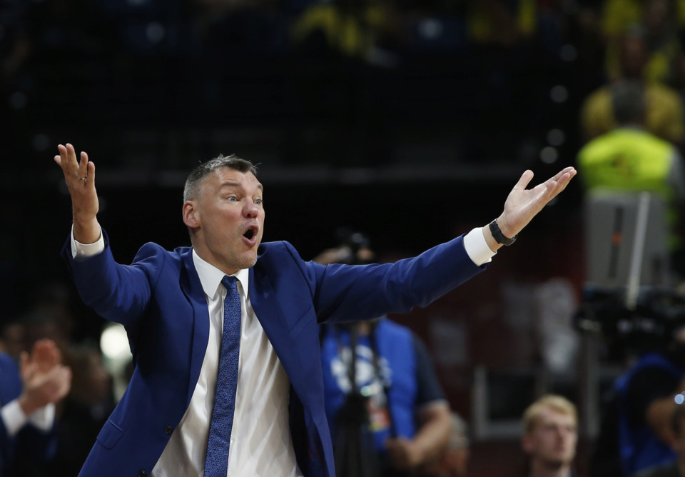 <span><strong>Zalgiris head coach Sarunas Jasikevicius gives instructions to his players during their Final Four Euroleague third place basketball match between CSKA Moscow and Zalgiris Kaunas in Belgrade, Serbia, Sunday, May 20, 2018.</strong> (AP Photo/Darko Vojinovic)</span>